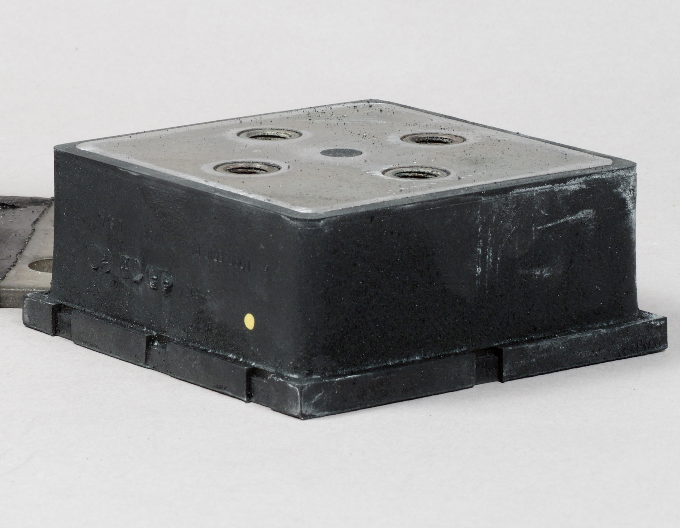 Square Pad Mount product image